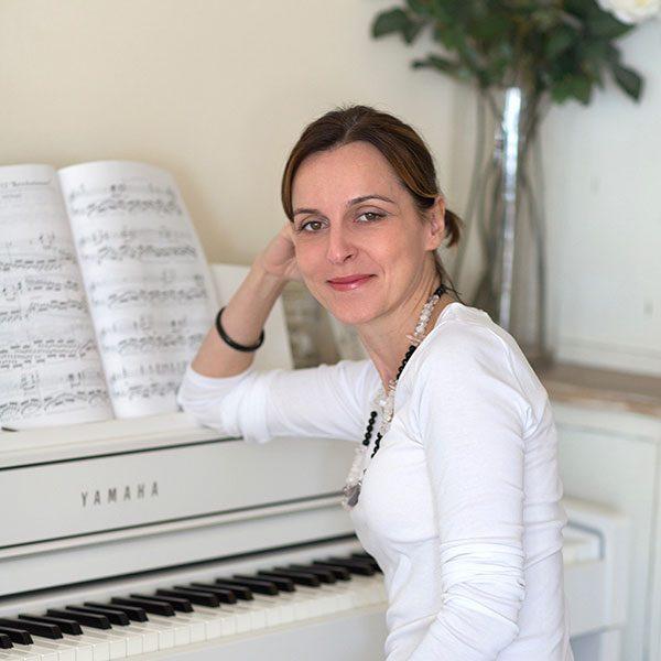 Zuzana Lenartova