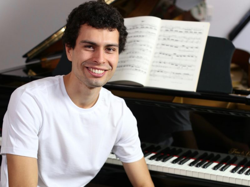 Gareth Szakos